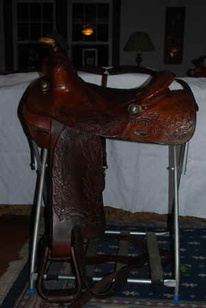 Saddle4.jpg (86662 bytes)